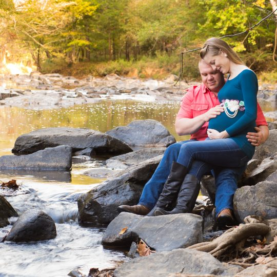 Maternity Portraits by the Eno River
